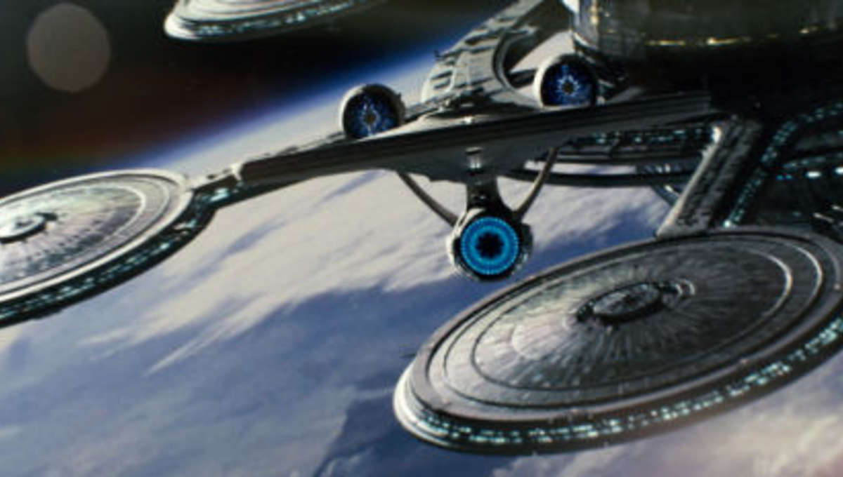 StarTrek_spacedock_small.jpg