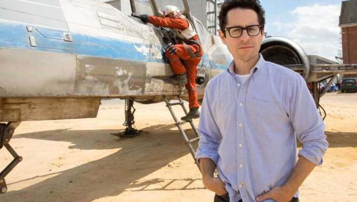 JJAbrams-Star-Wars-The-Force-Awakens-set.jpg