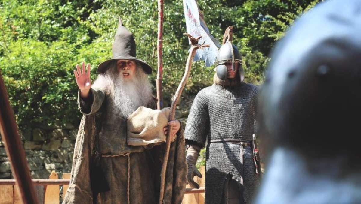 Lord-of-the-Rings-epic-fan-battle-4_0.jpg