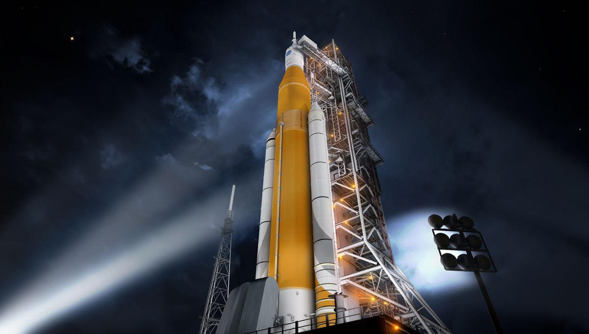 sls-70mt-dac3-orange-night-prelaunch-uhr2.jpg