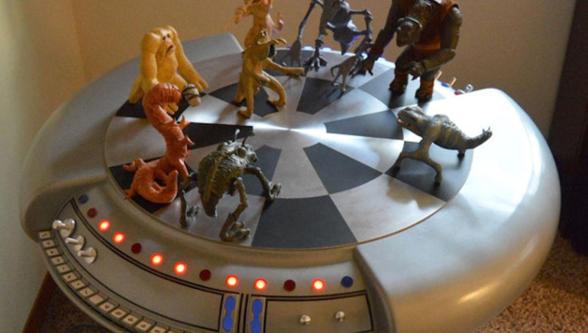 star-wars-holochess-table.jpg