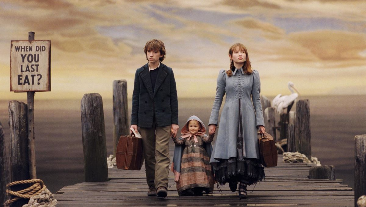 still-of-liam-aiken-emily-browning-and-shelby-hoffman-in-lemony-snickets-a-series-of-unfortunate-events-2004-large-picture.jpg