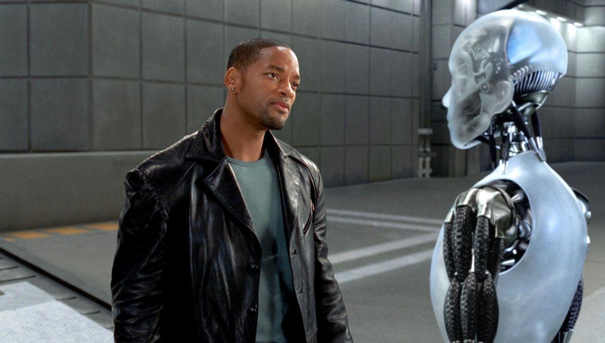 still-of-will-smith-and-joanna-capitano-in-i,-robot-(2004).jpg