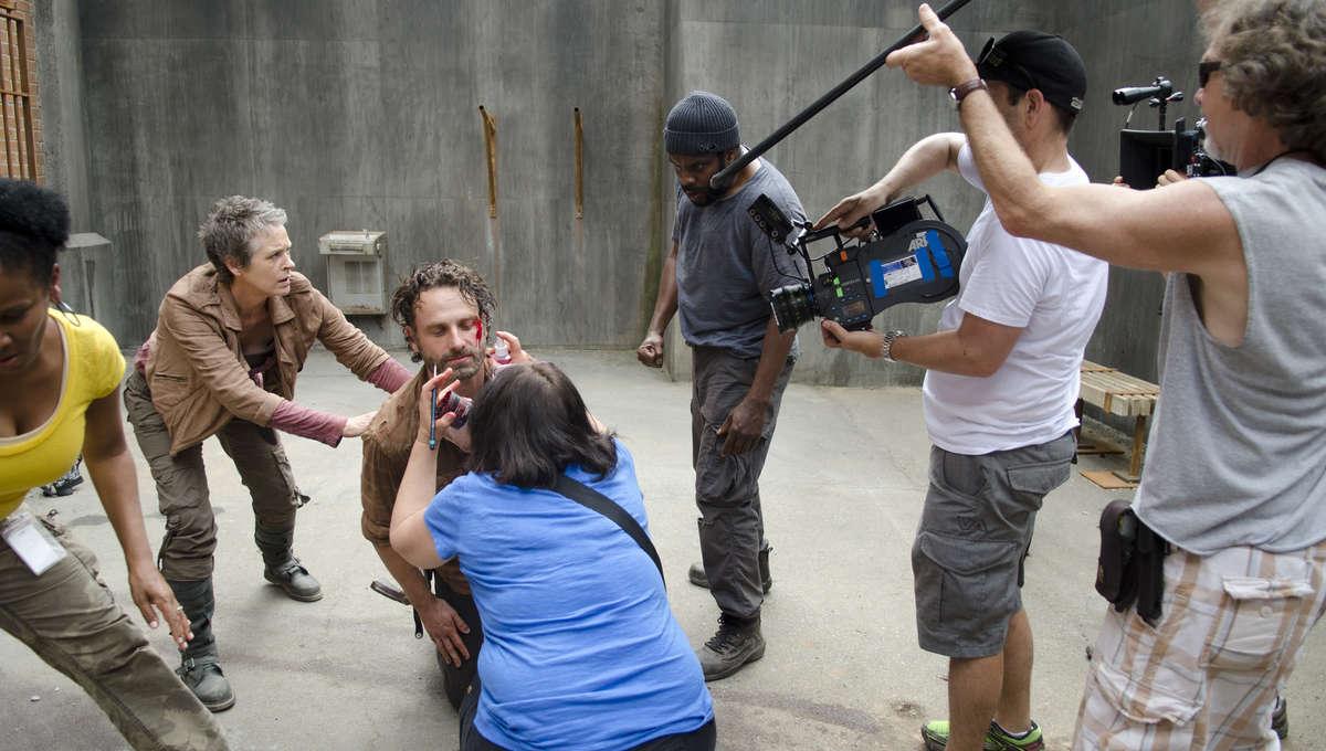The-Walking-Dead-Season-4-Behind-the-Scenes-the-walking-dead-35979632-3600-2384.jpg