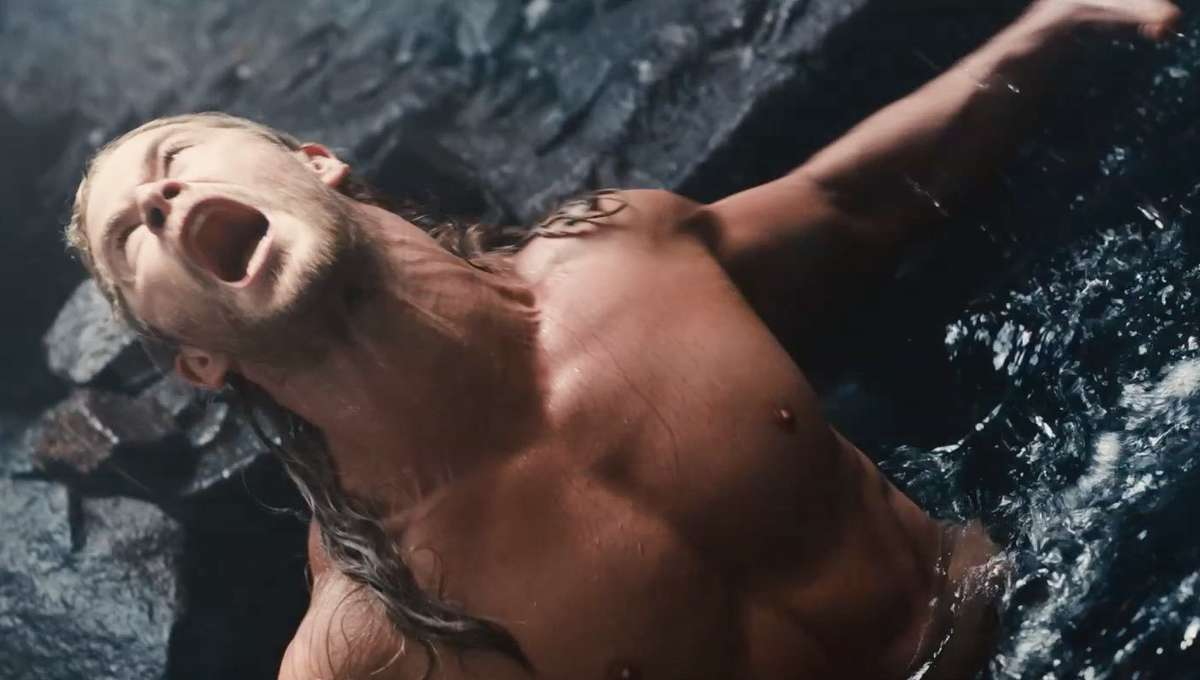 Thor-cave-scene-Age-of-Ultron-1_0.jpg