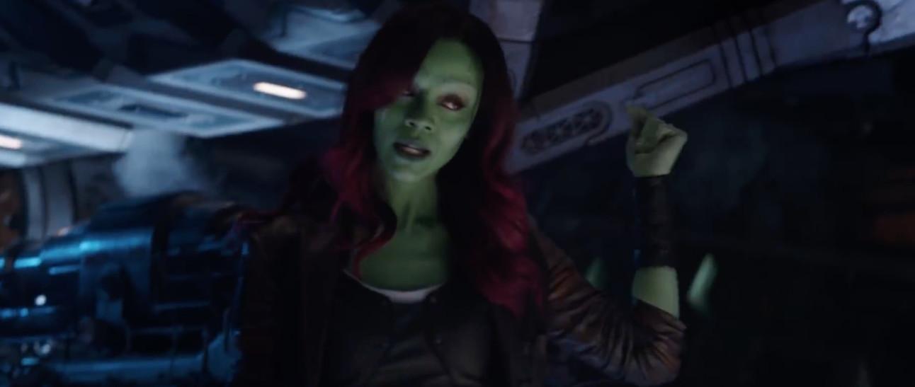 Avengers: Infinity War- Gamora (Zoe Saldana) snapping her fingers