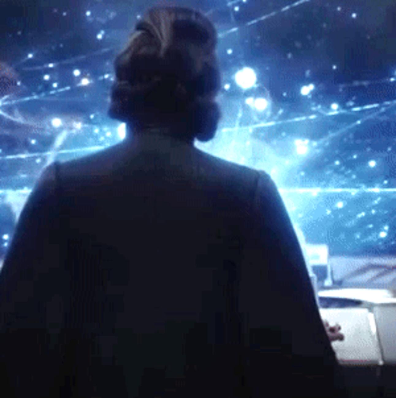 Leia in profile last jedi
