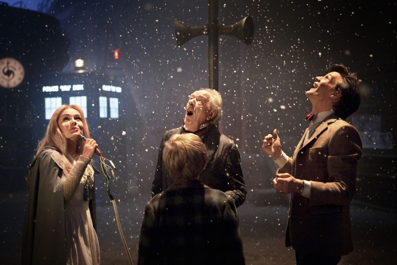 doctor_who_christmas_special_2010_pictures_bbc_002.jpg