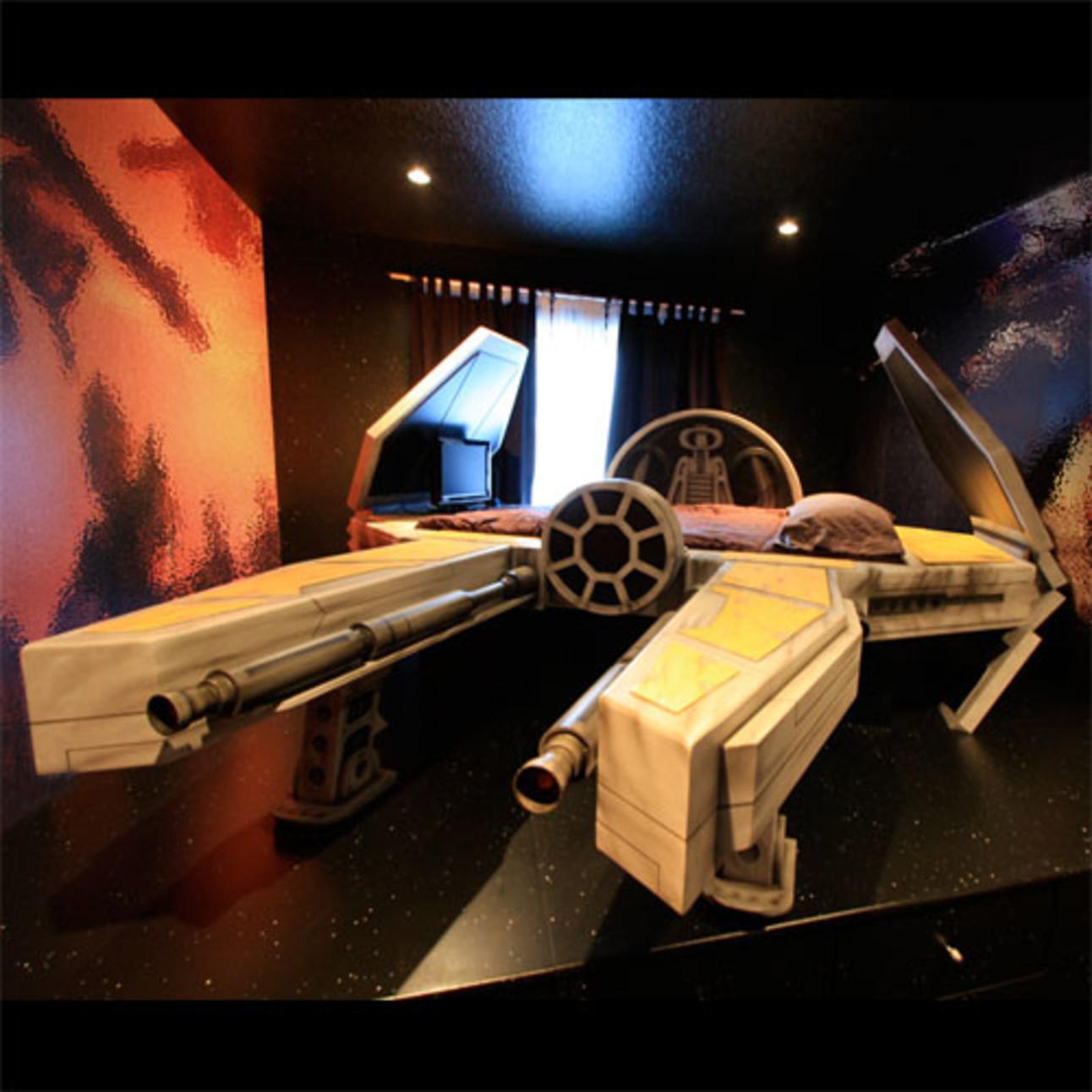 starfighter-bed.jpg