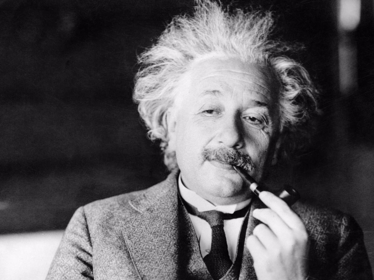 Einstein_and_pi.jpg