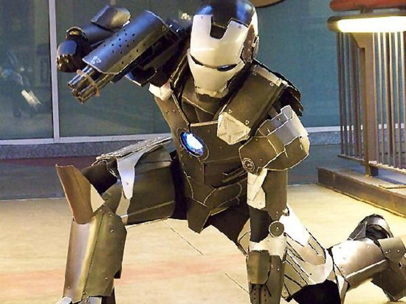 Iron_Man_Fan_War_Machine.jpg