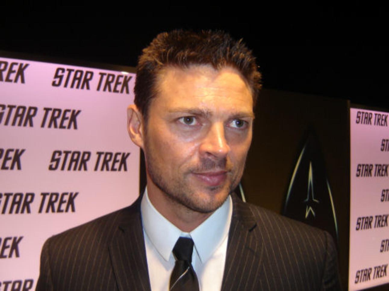 Star_Trek_Priest_Urban.jpg