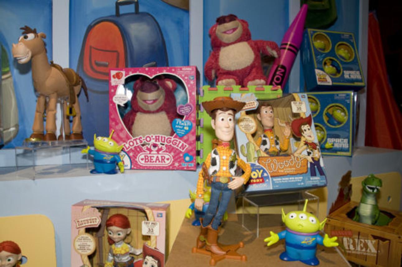Toy_story_3_toy_fair_1.jpg