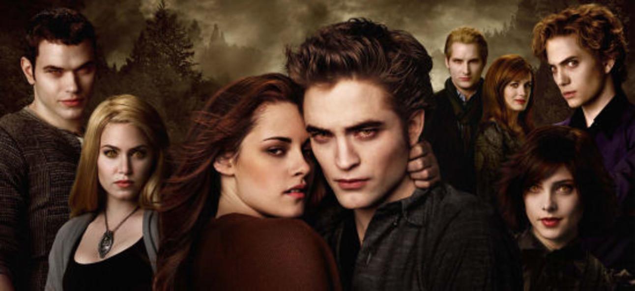 Twilight_NewMoon_bella_edward_onesheet_thumb_3.jpeg