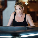Caity Lotz arrow