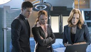 The-X-Files-Season-10-Robbie-Amell-Lauren-Ambrose-Gillian-Anderson.jpg