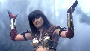 Xena-Lucy-Lawless.jpg