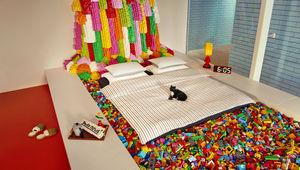 highres_airbnb_lego_adult_054.jpg
