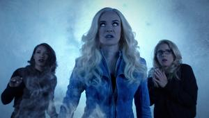 iris_killer_frost_and_felicity_inside_an_ice_dome.png