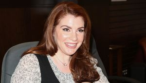 stephenie_meyer_hero_01.jpg