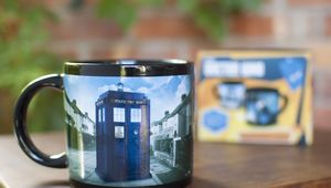 tardis-mug_lifestyle-withbox_1605.jpg