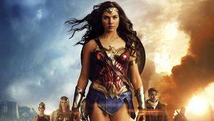 wonder_woman_group_hero_01.jpg