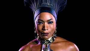 Queen Ramonda, Angela Bassett