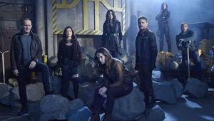 agents_of_shield_season_5_hero_shot.jpg