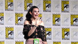 NicoleMaines_waves_SDCC