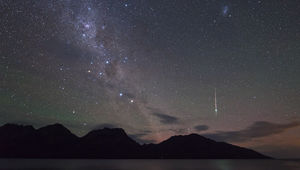 A lone Geminid meteor from the 2012 shower. Credit: Colin Legg