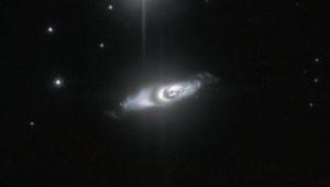 The protoplanetary nebula IRAS 22036+5306, a dying star about 6,500 light years away. Credit: ESA/Hubble & NASA