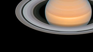 An aurora glows in ultraviolet light in this composite image of Saturn taken by Hubble in 2017. Credit: ESA/Hubble, NASA, A. Simon (GSFC) and the OPAL Team, J. DePasquale (STScI), L. Lamy (Observatoire de Paris)