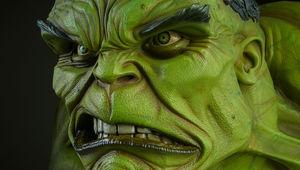 hulk bust hero