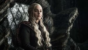 Emilia Clarke Daenerys Targaryen Game of Thrones HBO