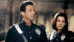 Demolition Man Stallone Bullock hero