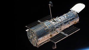 The NASA/ESA Hubble Space Telescope, seen here above the Earth during the last servicing mission in 2009. Credit: NASA