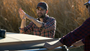 10-Cloverfield-Lane-pic-24-Director-Dan-Trachtenberg-on-the-set.jpg