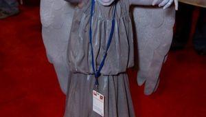 16918adc34b8d9fc57c894860f9b8a52-adorable-weeping-angel-cosplay.jpg