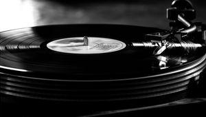6359151532169833781471111691_vinyl-record-turntable.jpg