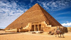 Egyptian-Pyramids-10.jpg