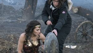 Gal-Gadot-Patty-Jenkins-Wonder-Woman.jpg