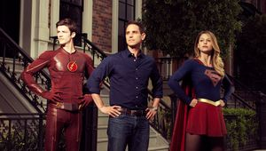 Greg-Berlanti-Flash-Supergirl.jpg