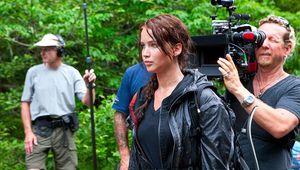 Jennifer_Lawrence_on_Hunger_Games_set.jpg