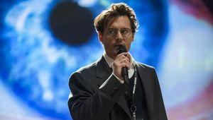 Johnny-Depp-in-Transcendence-2014-Movie-Image1.jpg