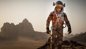 Matt-Damon-in-The-Martian-Movie-Wallpaper.jpg