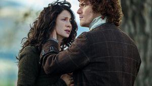 Outlander-S2-Jamie-Claire.jpg