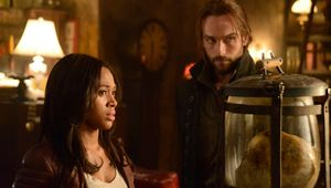 SleepyHollow-Ichabod-Abby-1.jpg