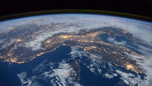 Space_TimPeake.jpg