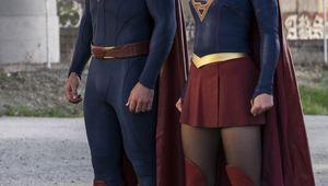 Supergirl_S2.jpg
