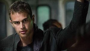 Theo-James-Divergent_0.jpg